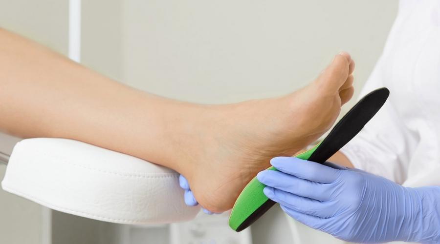 """Dolore da artrosi del piede, plantari più sicuri delle scarpe """"a dondolo"""""""